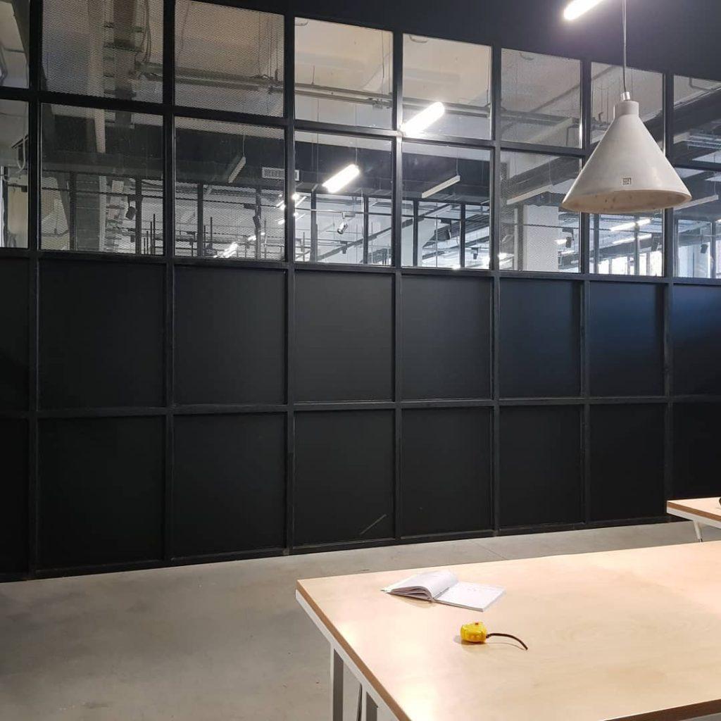 Черные рулонные шторы, дизайн и шторы на заказ