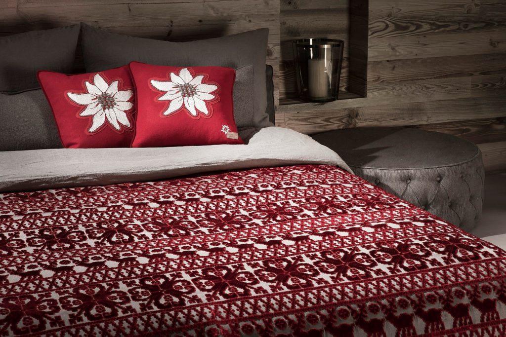 Эксклюзивные ткани, дизайн и шторы на заказ