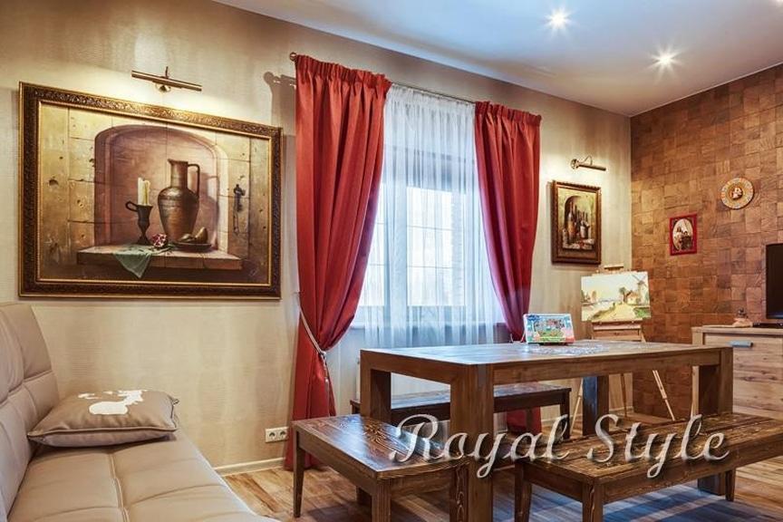 Столовая в загородном доме., дизайн и шторы на заказ